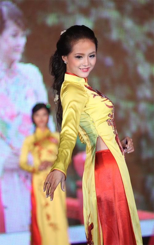 Nữ sinh Văn Hóa đăng quang Hoa khôi Hà Nội - 8