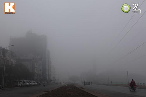 Hà Nội chìm trong sương mù - 7