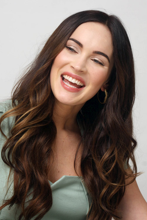 Megan Fox mặt sưng tấy, cười gượng gạo - 5