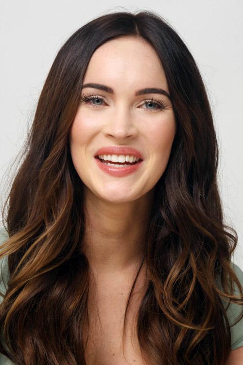 Megan Fox mặt sưng tấy, cười gượng gạo - 8