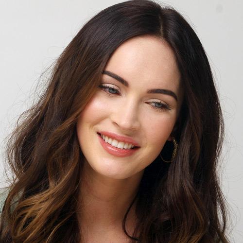 Megan Fox mặt sưng tấy, cười gượng gạo - 3