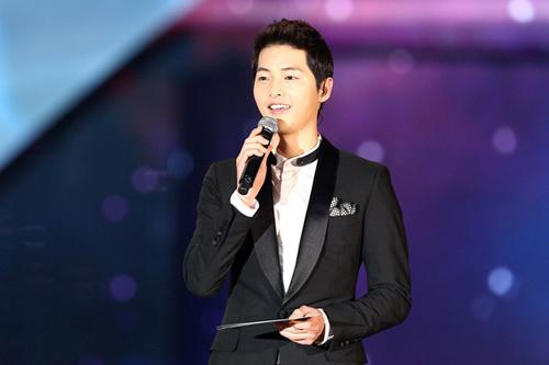 "Mỹ nam ""Nice Guy"" Song Joong Ki gây sốt - 1"