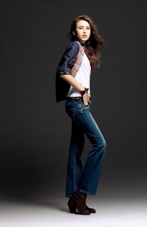 Mặc jeans sành điệu mùa đông - 10