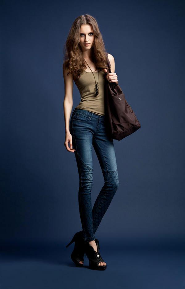 Mặc jeans sành điệu mùa đông - 13