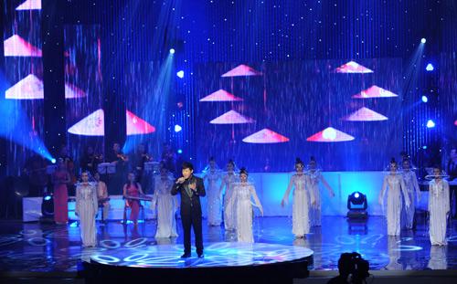 Quang Lê ra mắt DVD liveshow 5 tỷ đồng - 10