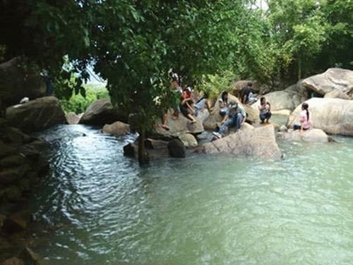 Suối đá huyền diệu dưới chân Tam Đảo - 4