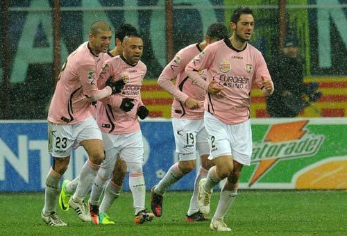 Inter – Palermo: Không bơi thì chìm - 2