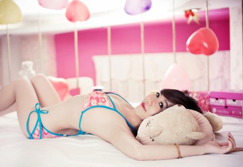 Nu Phạm ngọt ngào với bikini - 13
