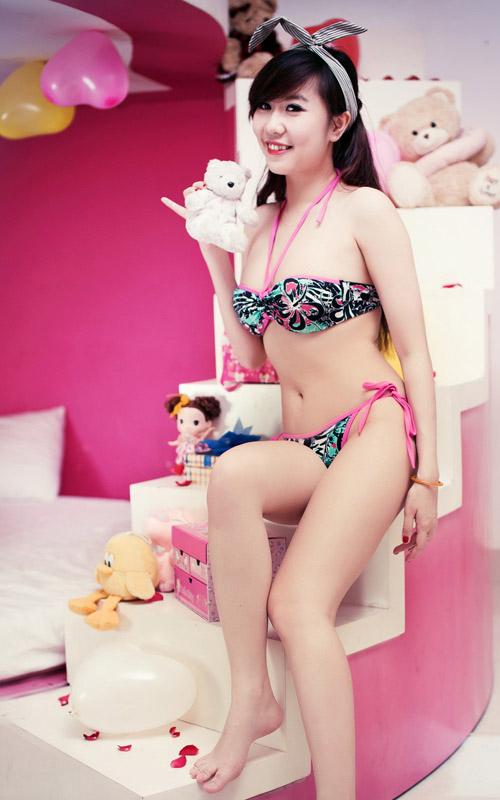 Nu Phạm ngọt ngào với bikini - 3
