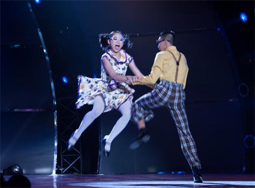 Bước nhảy lộ diện ứng viên quán quân - 8