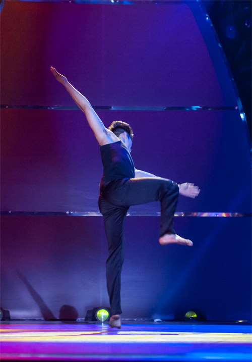 Bước nhảy lộ diện ứng viên quán quân - 3