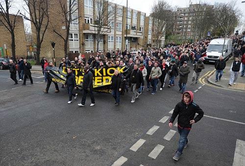 NHM Arsenal bất mãn với đội nhà - 2