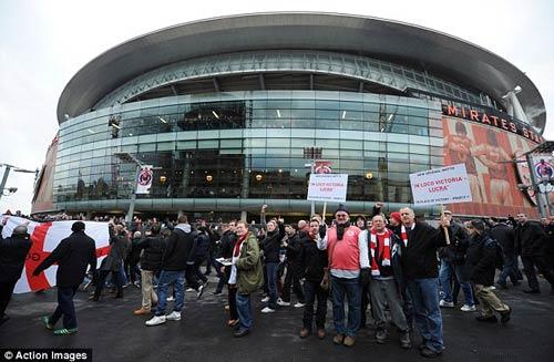 NHM Arsenal bất mãn với đội nhà - 1