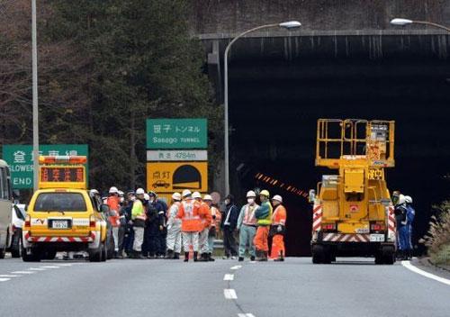 Nạn nhân vụ sập hầm ở Nhật: Ít hi vọng - 2