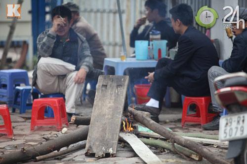Người Hà Nội đốt lửa chống rét - 10