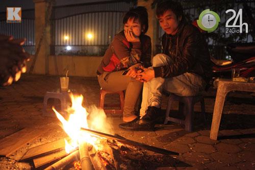 Người Hà Nội đốt lửa chống rét - 4