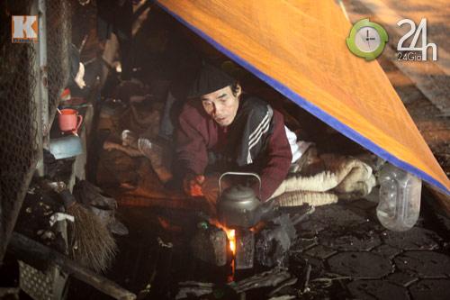 Người Hà Nội đốt lửa chống rét - 2