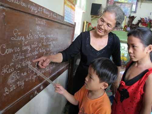 Gần 30 năm làm cô giáo không lương - 1