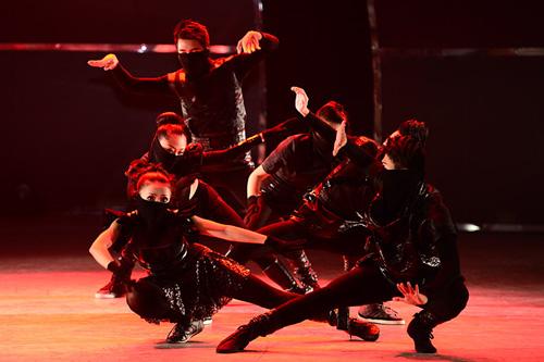 Bước nhảy tìm ra top 4 tài năng - 18