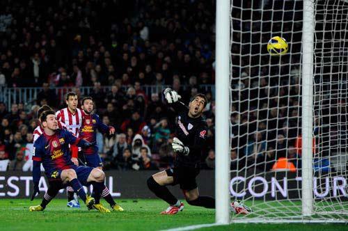 Liga sau V14: Barca một mình một ngựa - 1