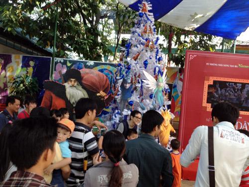 Thành Lộc, Hữu Châu khuấy động fan nhí - 1