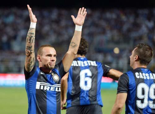 Sneijder ra đi: Paris hay Manchester? - 2