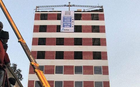 Ấn Độ: Kỷ lục xây nhà 10 tầng trong 2 ngày - 1