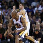 Thể thao - NBA: Bàn thắng từ giữa sân của Jarrett Jack