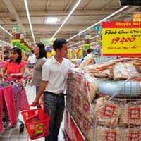 Hàng Tết 2013: Sức mua quyết định giá cả