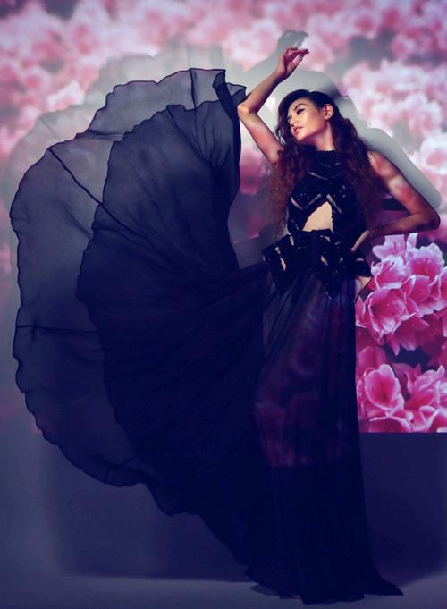 Hoàng Yến làm bà chúa hoa gợi cảm - 11