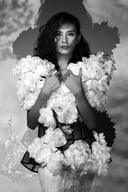 Hoàng Yến làm bà chúa hoa gợi cảm - 2