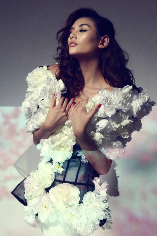 Hoàng Yến làm bà chúa hoa gợi cảm - 3