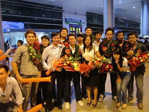 ĐT eSports VN được chào đón tại sân bay - 5