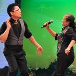 Mặt sau cánh gà - Bật mí về cụ bà nhảy Gangnam Style
