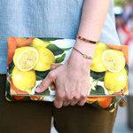 """Thời trang - """"Ngon mắt"""" trên phố với họa tiết hoa quả"""