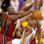 Thể thao - NBA: 10 pha cứu thua ngoạn mục nhất tháng 11