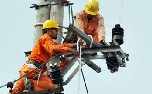 EVN mua ngoài hơn 50% sản lượng điện - 1