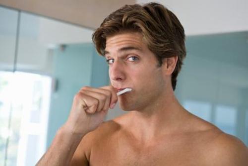 Lười đánh răng... dễ bị rối loạn cương dương - 1