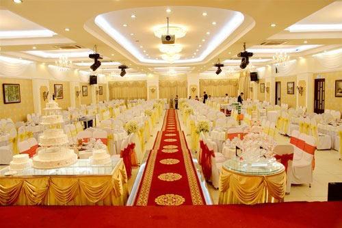 Tiệc cưới phải trình giấy kết hôn: Vô lý - 2