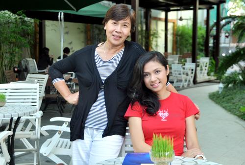 """Việt Trinh """"săn"""" chân dài cho phim năm 2013 - 2"""