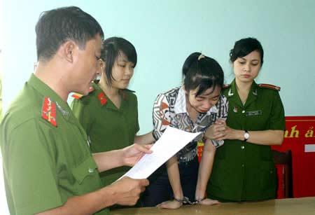 """Khởi tố, bắt tạm giam vợ """"siêu trộm"""" Đặng Ngọc Tân - 1"""