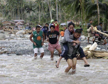 Hơn 475 người chết vì bão ở Philippines - 3