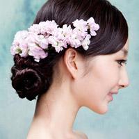 """Cập nhật kiểu tóc """"búi"""" mốt nhất xứ Hàn"""