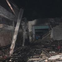 Cháy, nhà xưởng rộng 600m2 đổ sập
