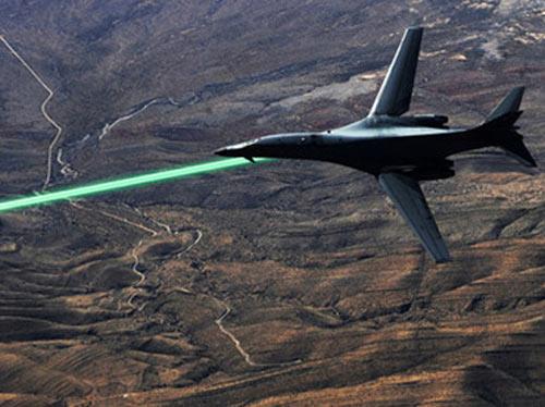 """Máy bay không người lái Mỹ có """"laser sát thủ"""" - 1"""