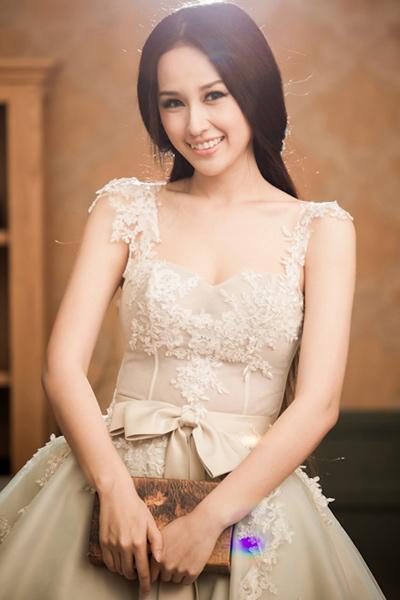 Top 10 mỹ nhân mặc đẹp nhất showbiz Việt - 2