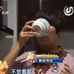Tin tức trong ngày - TQ: Kỳ lạ người uống dầu ăn thay nước lọc