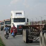 Thị trường - Tiêu dùng - DN phải đóng oan phí đường bộ hàng tỷ đồng?