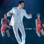 Ca nhạc - MTV - Nguyễn Hưng cuồng nhiệt bên vũ công sexy