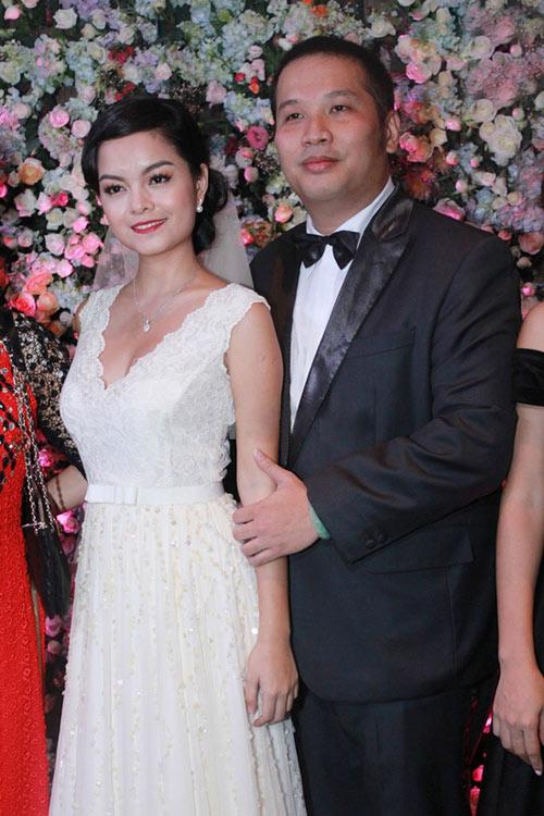 7 mẫu váy cưới đẹp nhất của cô dâu Việt - 8
